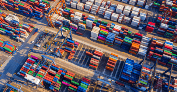 From supply chain management vendors to supplier management services, there are different ways companies can manage their risks using third-party sources.